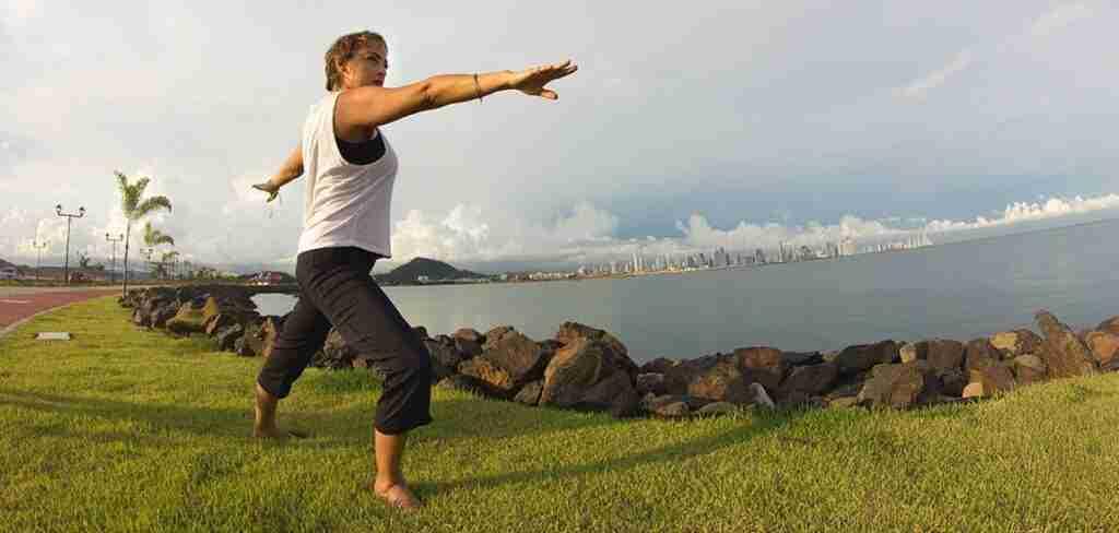 Yasmari-bello-haciendo-ejercicio-en-pamama
