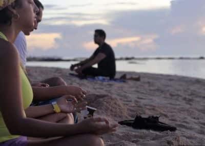 Meditación del amanecer dirigida por Ismael Cala en la Riviera Maya