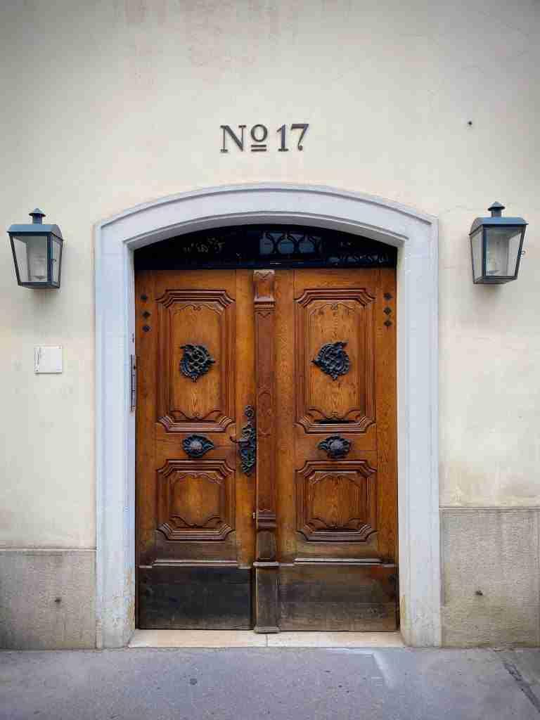significado del 0 en la puerta de casa